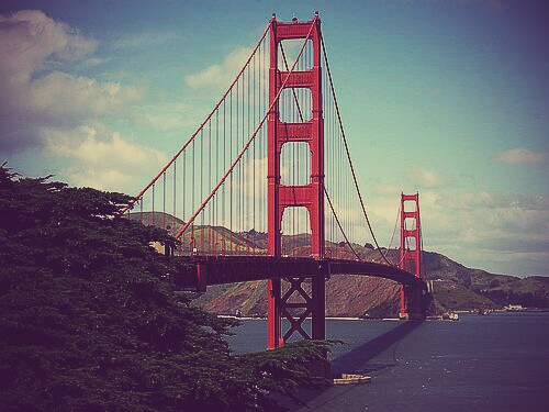 golden-gate-bridge-in-san-francisco~2