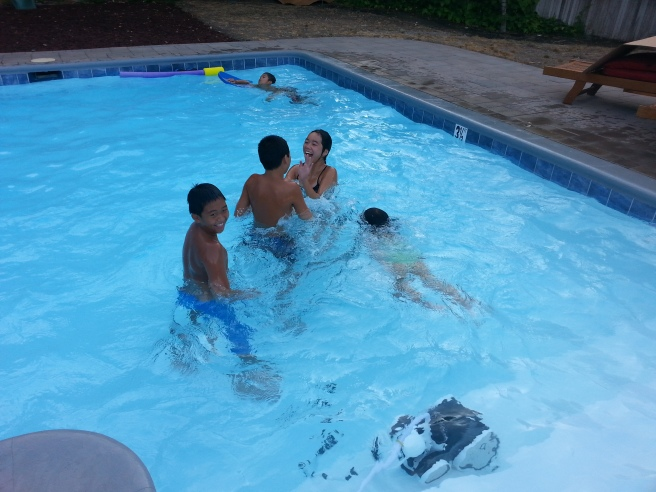 swimming hee cousins