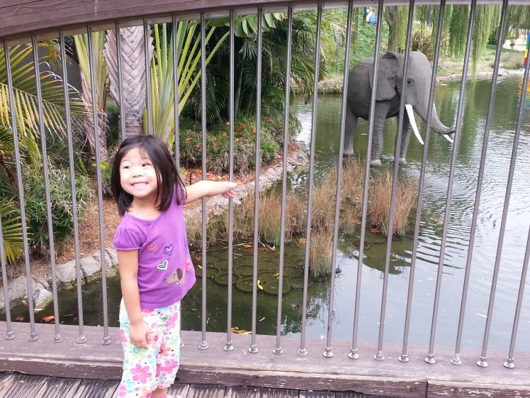 elephant three legs